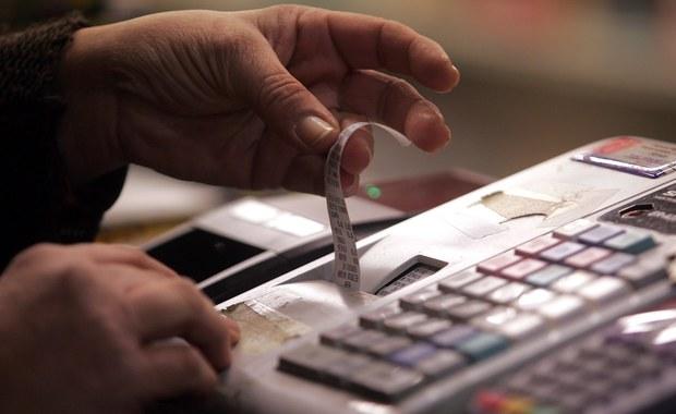 Za tydzień, 1 października ruszy Narodowa Loteria Paragonowa - poinformowało Ministerstwo Finansów. Właściciele paragonów, które wezmą udział w loterii, będą mogli wygrać m.in. samochód, laptopy, tablety.