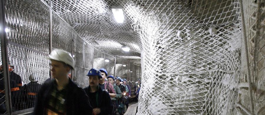 """Rząd nie dotrzymał porozumienia i do końca września nie powstanie Nowa Kompania Węglowa. Strona rządowa mówi: """"Potrzebujemy więcej czasu"""". Ale odpowiedź górniczych związków jest krótka: """"W poniedziałek zbiera się sztab strajkowy""""."""