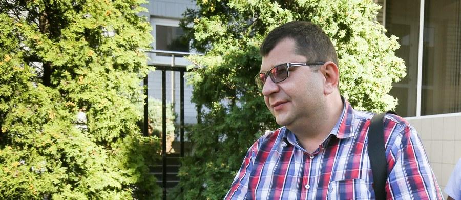 Zbigniew Stonoga nie będzie odbywał kary w więzieniu. Jak dowiedział się reporter RMF FM Krzysztof Zasada, warszawski sąd zdecydował, że wystarczy zastosować wobec niego dozór elektroniczny.