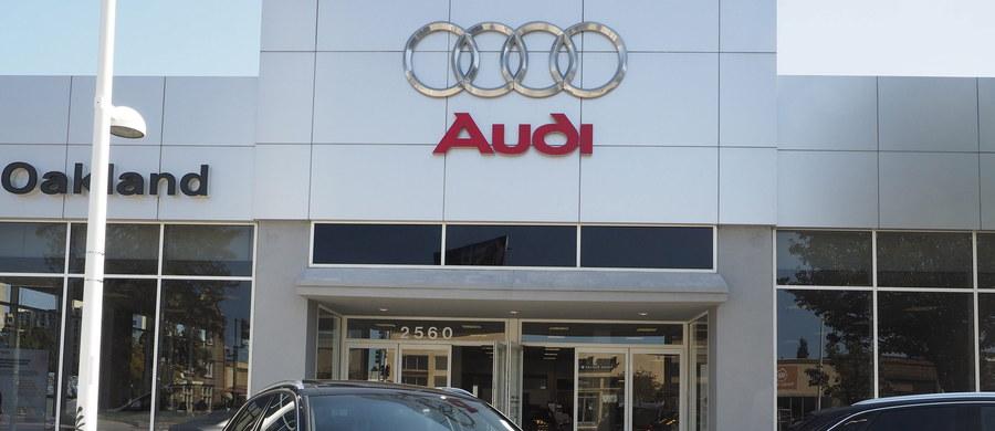 Firma Audi poinformowała, że 2,1 mln aut tej marki na świecie miało instalowane oprogramowanie umożliwiające koncernowi Volkswagen fałszowanie wyników testów toksyczności spalin z silników Diesla. Audi należy właśnie do Volkswagena.