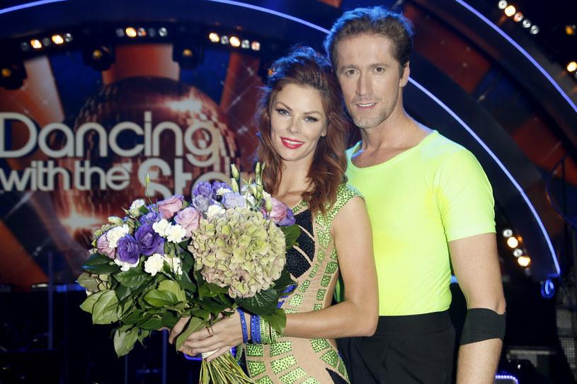 """Trzeci odcinek 4. edycji """"Tańca z Gwiazdami"""" przyciągnął przed ekrany telewizorów rekordową widownię. W piątkowy wieczór Polsat włączyło aż 3,44 mln widzów."""