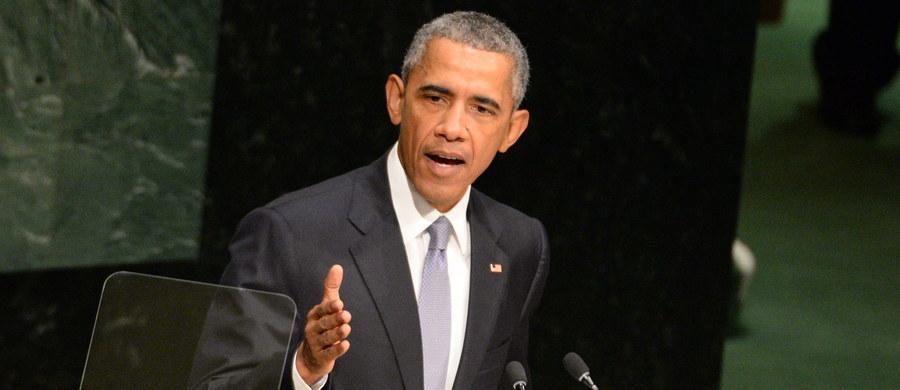 """""""Stany Zjednoczone są gotowe do współpracy z każdym krajem, w tym Rosją i Iranem, by rozwiązać konflikt w Syrii"""" - oświadczył prezydent Barack Obama, przemawiając podczas debaty generalnej Zgromadzenia Ogólnego Narodów Zjednoczonych w Nowym Jorku. Zastrzegł jednak, że rozwiązanie musi oznaczać odejście prezydenta Syrii Baszara el-Asada."""