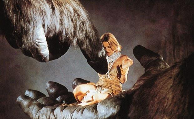 """W wieku 89 lat w swoim domu w Kalifornii zmarł John Guillermin, który wyreżyserował takie filmy, jak """"King Kong"""", """"Płonący wieżowiec"""" czy """"Śmierć na Nilu"""". Przyczyną śmierci wybitnego reżysera i scenarzysty był atak serca."""