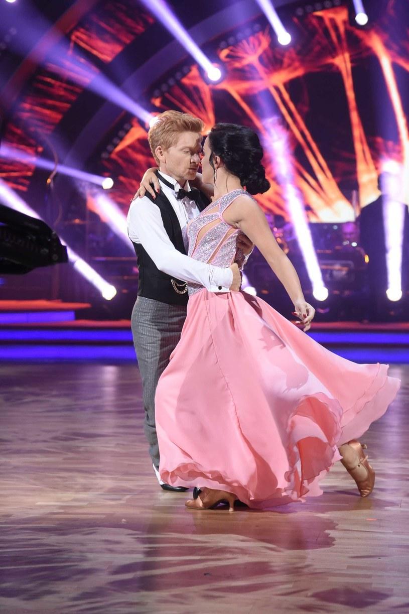 """Już 2 października czwarty odcinek najnowszej edycji """"Dancing with the Stars. Tańca z Gwiazdami"""", w którym zaprezentuje się 8 pozostałych w programie par."""