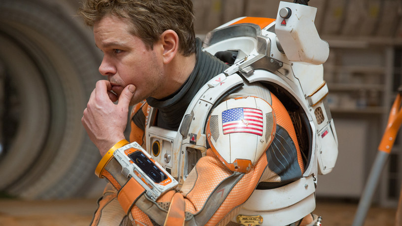 """""""Marsjanin"""" to najnowszy film Ridleya Scotta, reżysera """"Obcego - 8 pasażera Nostromo"""", """"Łowcy androidów"""" i """"Gladiatora"""", ekranizacja bestsellerowej powieści Andy'ego Weira. W obsadzie same gwiazdy: Matt Damon, Jessica Chastain, Chiwetel Ejiofor, Kristen Wiig, Sebastian Stan, Sean Bean, Jeff Daniels, Michael Peña i Kate Mara."""