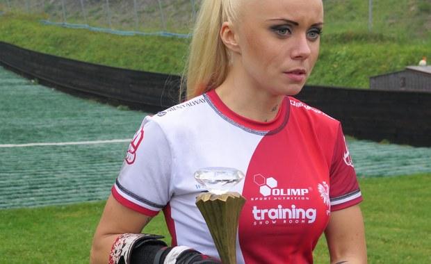 Marta Górka Wojtowicz ustanowiła nowy rekord świata na Wielkiej Krokwi. Nie jest to jednak rekord w długości skoku na nartach, ale w chodzeniu po schodach. Swój wyjątkowy wyczyn  instruktorka fitness zadedykowała dzieciom chorym na astmę.