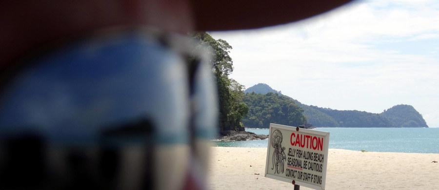 Zmarła 20-letnia turystka z niemieckiej Getyngi, dotknięta w Tajlandii przez jadowitą meduzę - poinformowała tajlandzka policja. Do wypadku doszło we wtorkowy wieczór na popularnej w wakacje wyspie Koh Samui w Zatoce Tajlandzkiej.