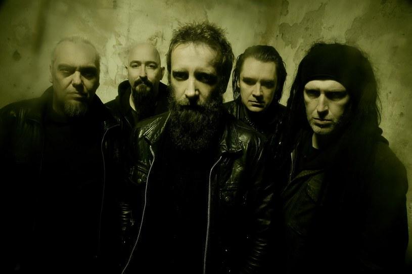 """Brytyjczycy z Paradise Lost wydadzą w listopadzie koncertowy materiał """"Symphony For The Lost""""."""