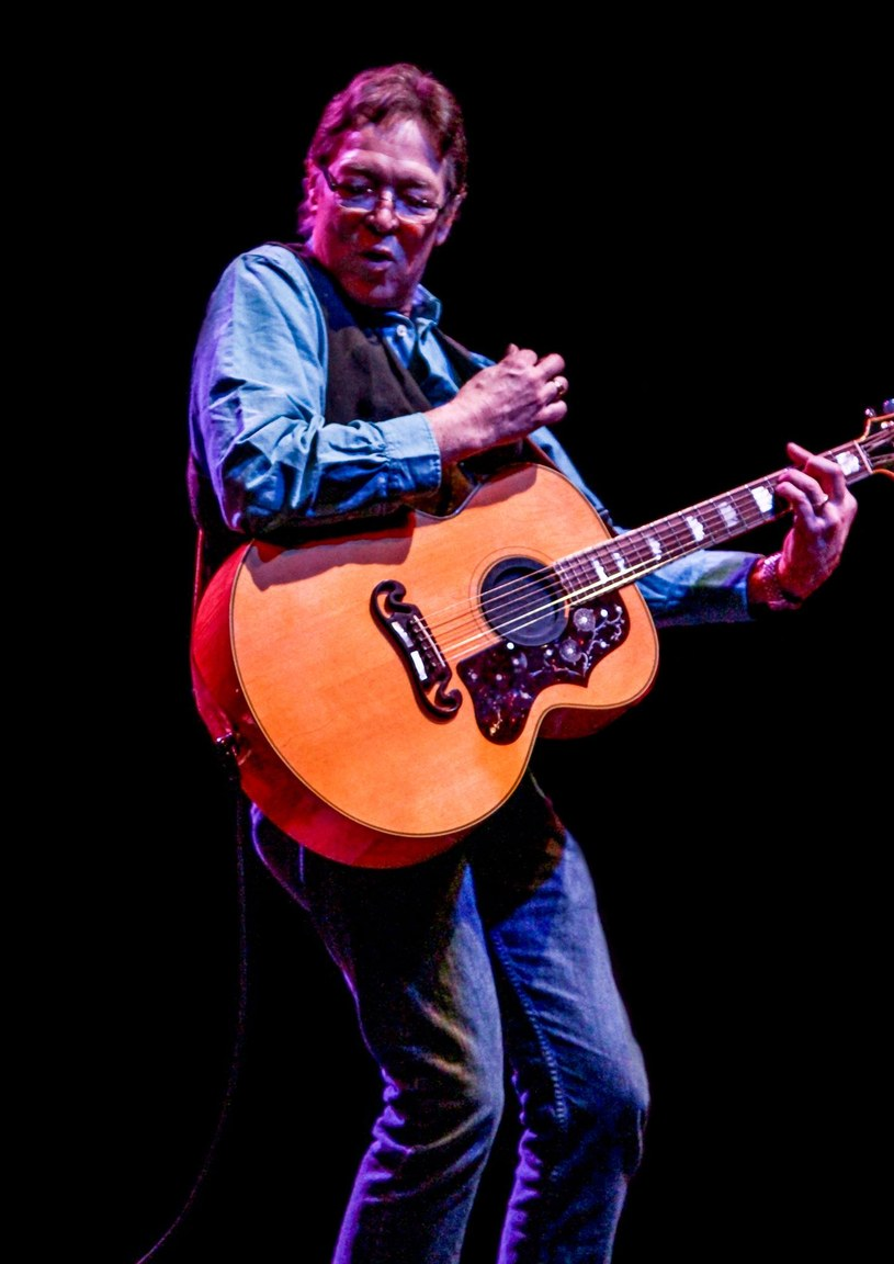 10 października w wieku 66 lat zmarł Robin Thomspon, wokalista i kompozytor występujący w grupie Steel Mill, której muzycy weszli później w skład E Street Band wspierającej Bruce'a Springsteena.
