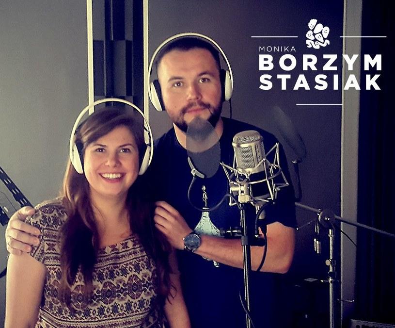 W alternatywnej wersji nowego hitu sieci zaśpiewali Stasiak oraz Monika Borzym.