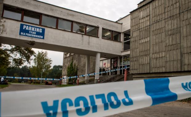 """""""To była rzeź"""" – tak mówią studenci Uniwersytetu Technologiczno-Przyrodniczego w Bydgoszczy o imprezie inaugurującej nowy rok akademicki. W zabawie uczestniczyło 1200 osób. W pewnej chwili doszło do wybuchu paniki w łączniku łączącym dwa budynki, w których rozgrywała się impreza. Zginęła 24-letnia studentka, 11 osób zostało rannych, cztery z nich nadal przebywają w szpitalach. Stan dwóch poszkodowanych jest ciężki."""