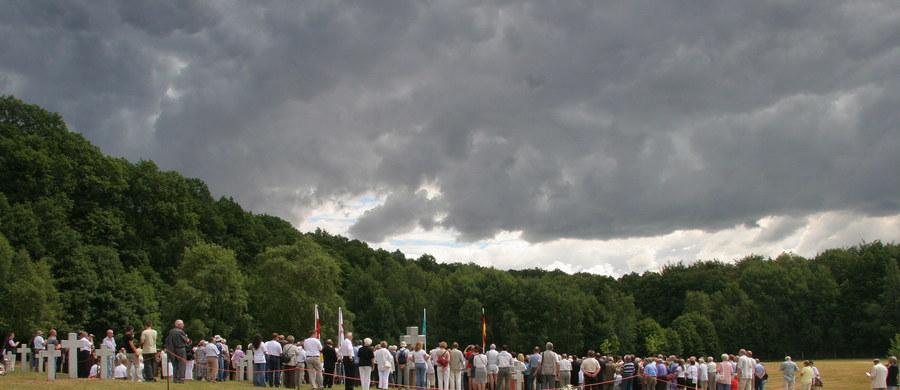 1425 żołnierzy niemieckich spoczęło na cmentarzu wojennym w Glinnej w Zachodniopomorskiem. Szczątki żołnierzy oraz pomordowanej ludności cywilnej znaleziono w mogiłach na terenie zachodniej Polski.