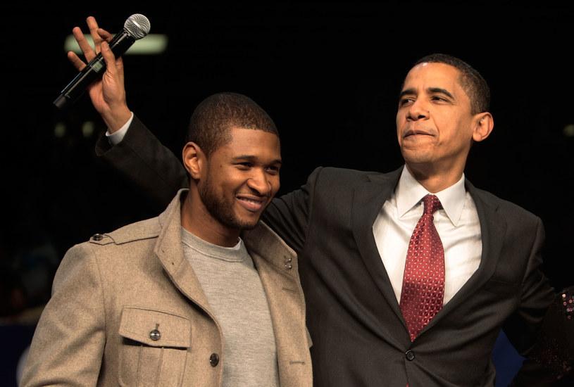 """Usher, który odwiedził amerykańską parę prezydencką, pewnie nie spodziewał się takiego zachowania z ich strony. Barack i Michelle Obama przywitali rapera małą babeczką ze świeczką oraz zaśpiewali mu urodzinowe """"Happy Birthday""""."""