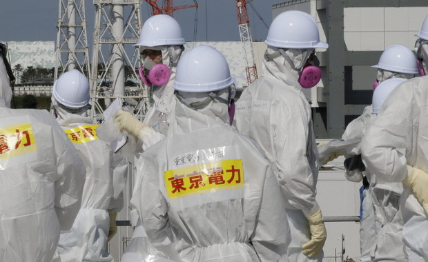 Japońskie władze przyznały, że wystąpienie białaczki u pracownika elektrowni atomowej Fukushima mogło była spowodowane radioaktywnym promieniowaniem. To pierwszy taki przypadek, o którym poinformowano oficjalnie od katastrofy ponad cztery lata temu.