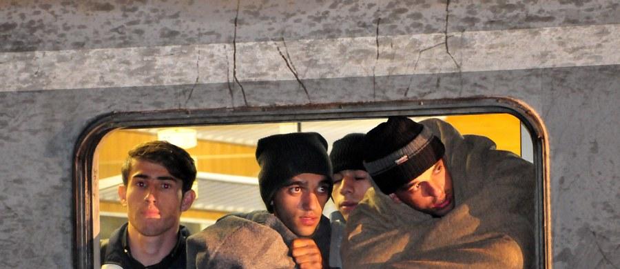 Norwegia zacznie odsyłać do Rosji migrantów ubiegających się o azyl, w większości Syryjczyków, którzy mają prawo pobytu w Rosji i mieszkali tam przez pewien czas. Takie informacje przekazały norweskie władze.