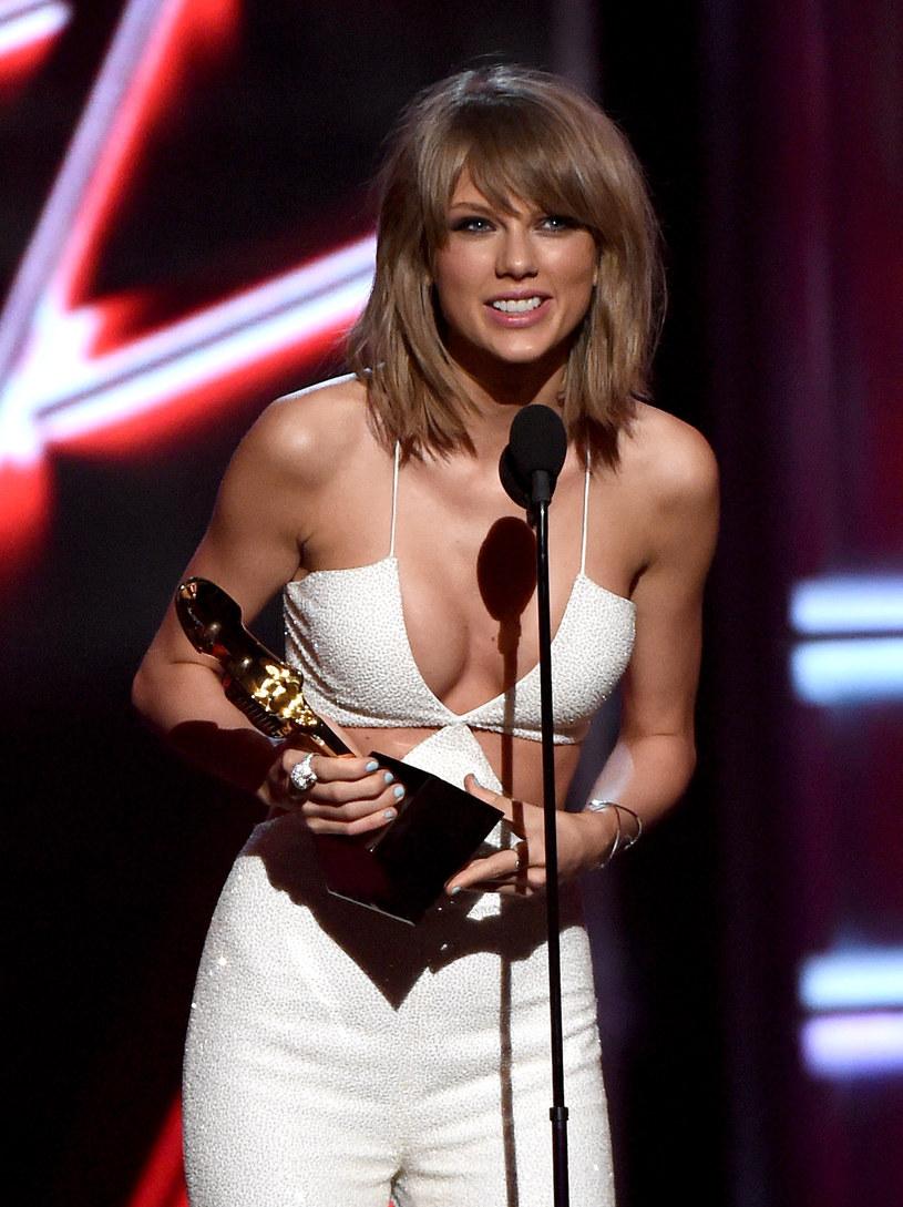 Taylor Swift spełniła marzenie 6-letniej dziewczynki chorej na raka i spotkała się z nią na backstage'u po swoim koncercie w Atlancie.