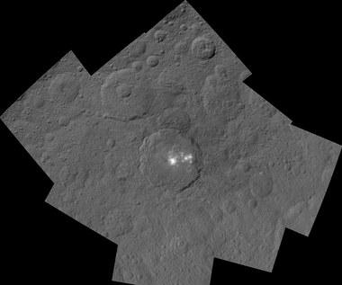 W stronę białych plam Ceres