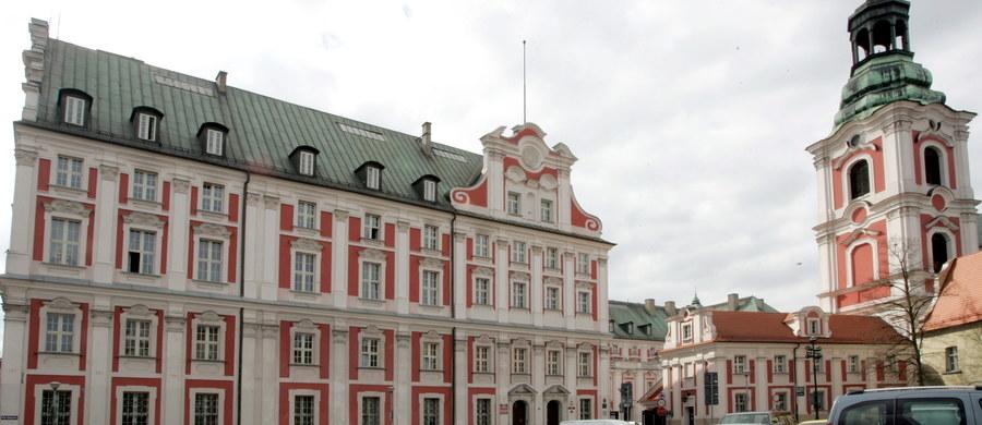 Były doradca prezydenta Poznania Jacka Jaśkowiaka, który odszedł z urzędu po oskarżeniach o mobbing, miękko wylądował w miejskiej spółce. To o tyle ciekawe, że Poznańskie Inwestycje Miejskie nie prowadziły rekrutacji.