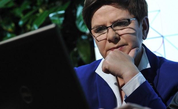 Beata Szydło zaprezentuje skład przyszłego rządu podczas konferencji prasowej tuż po posiedzeniu Komitetu Politycznego PiS, który zatwierdzi kandydatów na ministrów - poinformowała rzeczniczka PiS Elżbieta Witek. Posiedzenie komitetu odbędzie się prawdopodobnie w piątek po południu.