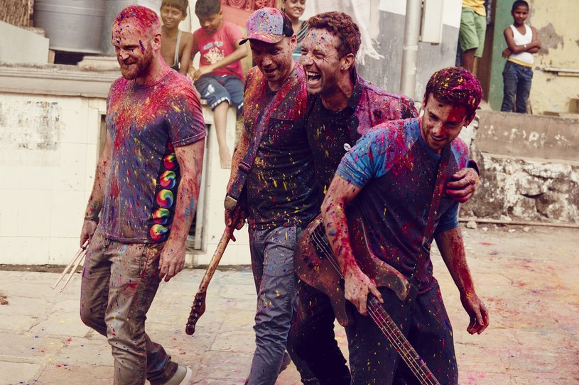 """Brytyjska grupa Coldplay zapowiedziała premierę siódmej płyty studyjnej. Następca """"Ghost Stories"""" z wiosny 2014 roku, będzie nosić tytuł """"A Head Full Of Dreams"""", zaś jego premierę wyznaczono na 4 grudnia 2015 roku. Na płycie pojawi się m.in. Noel Gallagher i Beyonce."""