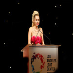 Miley Cyrus na gali LGBT Vanguard Awards 2015