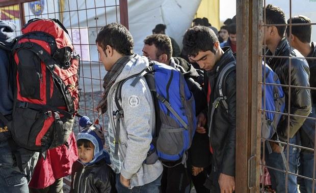 Polska to obecnie najbardziej egoistyczny kraj spośród wszystkich członków UE? Taki obraz zostawił w Brukseli rząd Ewy Kopacz. Z dokumentów Komisji Europejskiej wynika, że od momentu uruchomienia przez UE systemu relokacji 160 tys. uchodźców, rząd PO praktycznie nic nie zrobił - działał o wiele mniej niż Czechy, Węgry, Słowacja czy Rumunia, które głosowały przeciwko obowiązkowemu przyjmowaniu uchodźców.
