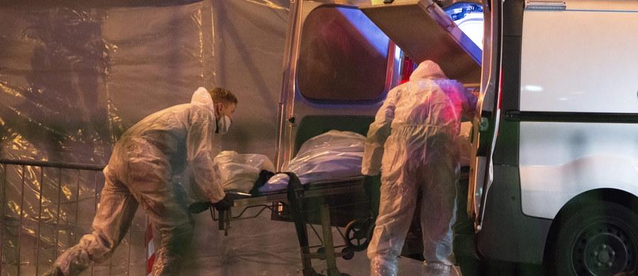 """""""Wszędzie leżały ciała, wszędzie było pełno krwi. Wszystko wyglądało jak pole bitwy"""" – tak masakrę w sali widowiskowej Bataclan w Paryżu relacjonuje jeden ze świadków. Terroryści zabili tam co najmniej sto osób."""