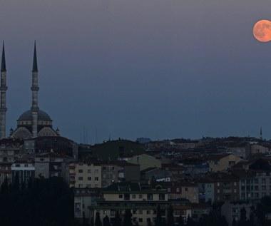 """Tureckie władze: Udaremniliśmy """"wielki zamach"""" w Stambule"""