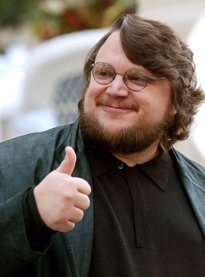 """Guillermo Del Toro, twórca """"Labiryntu Fauna"""", wyreżyseruje remake """"Fantastycznej podróży"""" Richarda Fleischera z 1966 roku. Chociaż reżyser planował w najbliższym czasie zająć się realizacją """"drugiej części """"Pacific Rim"""", póki co postanowił zrezygnować z projektu."""