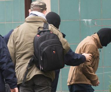 Przesłuchanie Polaka zatrzymanego w związku z podejrzeniami o terroryzm