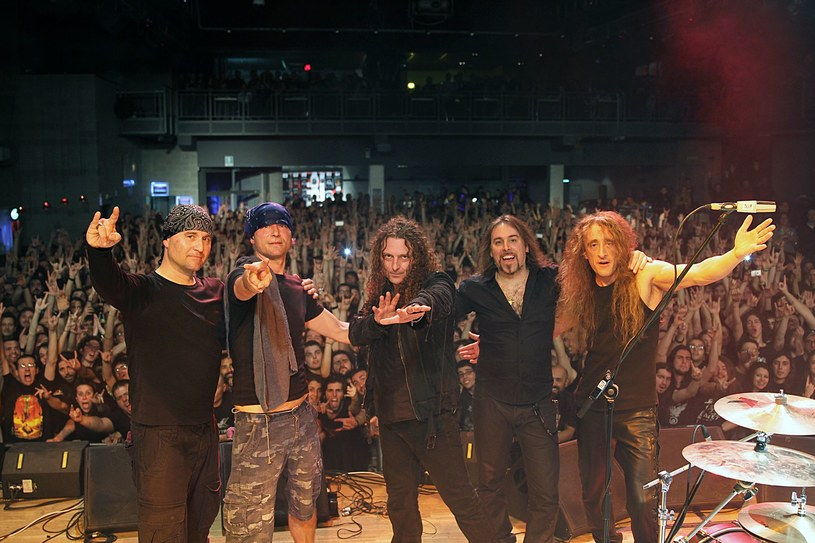 Znana z symfonicznego rozmachu, włoska formacja Rhapsody Of Fire zdradziła szczegóły premiery nowego albumu.