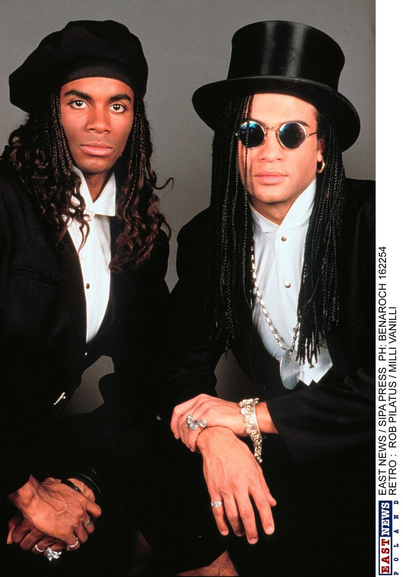 """25 lat temu miała miejsce jedna z największych mistyfikacji w dziejach muzyki. 19 listopada 1990 roku po raz pierwszy w historii cofnięto decyzję o przyznaniu nagrody Grammy. Prestiżową statuetkę odebrano grupie Milli Vanilli, gdy okazało się, że cały udział wokalistów Roba Pilatusa i Fabrice'a Morvana przy produkcji wyróżnionego albumu """"Girl You Know It's True"""" sprowadzał się do... wystąpienia w teledysku."""