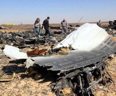 """ISIS twierdzi: """"Planowaliśmy zestrzelić zachodni samolot"""". I publikuje zdjęcie bomby"""