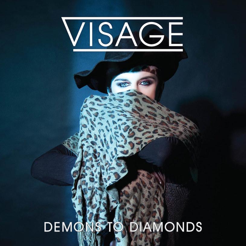 Jeśli przespaliście tę informację, Visage w momencie ukazania się tej płyty sekundę temu, nie istnieją. Bo Steve Strange opuścił ten łez padół w lutym tego roku...