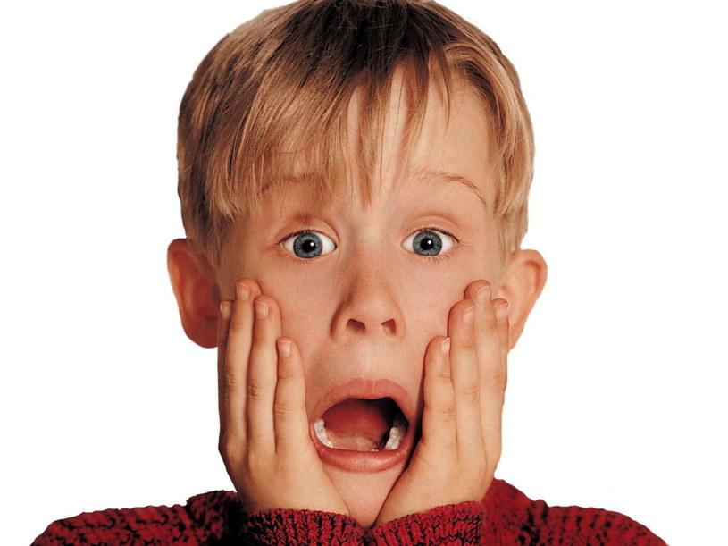 """Święta bez Kevina? Nie ma szans! W wigilijny wieczór o godz. 20 Polsat wyemituje komedie """"Kevin sam w domu""""."""