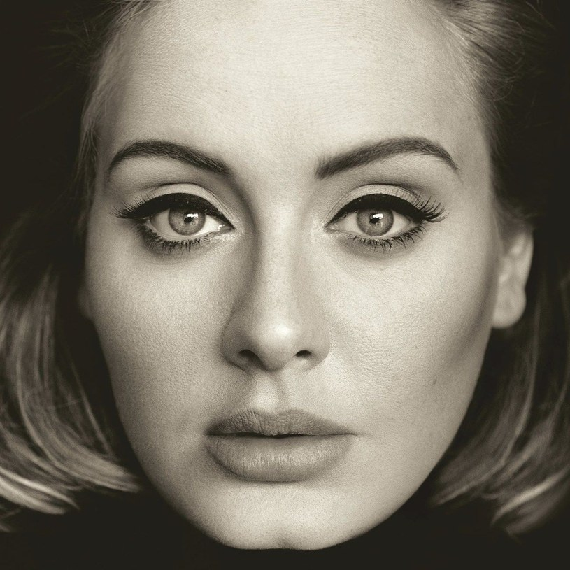 Być może nowa płyta Adele ukazuje się w najlepszym dla siebie momencie. Ludziom potrzeba dzisiaj ładnych melodii.