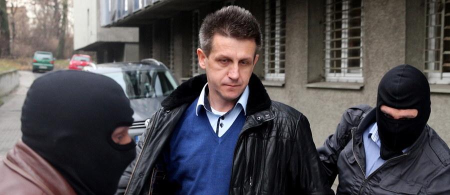 Katowicki sąd nie podjął decyzji o tymczasowym aresztowaniu Jana Burego, o które apelowała prokuratura. Były poseł PSL jest podejrzany o korupcję. Śledczy swój wniosek o areszt uzasadniali obawą matactwa i grożącą podejrzanemu surową karą.