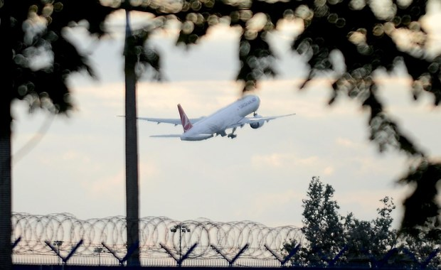 Samolot tureckich linii lotniczych przymusowo wylądował w Halifaksie w Kanadzie. Powodem była informacja o bombie.