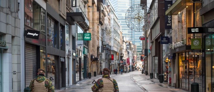 Alarm terrorystyczny w Belgii utrzymany. Rząd - idąc za radą Centrum Kryzysowego - podtrzymuje najwyższy stopień alertu dla Brukseli i okolic oraz drugi najwyższy dla reszty kraju.