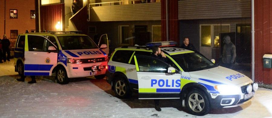 Podejrzany o przygotowywanie akcji terrorystycznej mężczyzna, który w czwartek został zatrzymany w ośrodku dla uchodźców w Boliden na północy Szwecji, został wypuszczony na wolność - podała prokuratura w Sztokholmie.