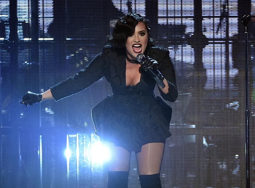 Demi Lovato może mieć kłopoty. W sieci pojawił się list, w którym jeden z zawiedzionych fanów oskarża amerykańską wokalistkę o brak szacunku dla swoich sympatyków.