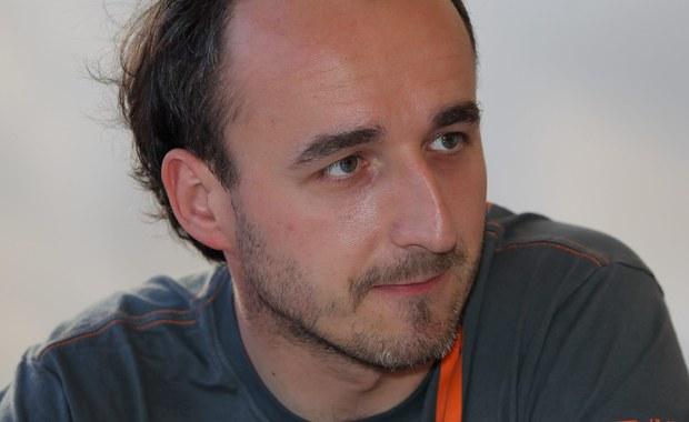 """""""Robert robi dobrą robotę dla naszej dyscypliny"""" - przyznaje rajdowy mistrz Europy Kajetan Kajetanowicz. Kubica wciąż nie wie, czy będzie rywalizował w WRC w przyszłym sezonie. Jednak zdaniem Kajetanowicza, rajdy sporo stracą jeśli krakowianina zabraknie na trasach w przyszłym sezonie."""