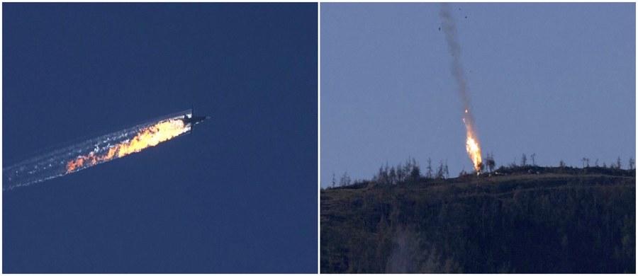 Tureckie samoloty wielozadaniowe F-16 zestrzeliły rosyjski bombowiec Su-24, który naruszył przestrzeń powietrzną Turcji - taką informację przekazało tureckie wojsko. Rosjanie twierdzą, że samolot znajdował się nad terytorium Syrii i nie naruszył tureckiej przestrzeni. Piloci zdołali się katapultować, ale wiadomo już, że jeden z nich nie przeżył - potwierdziła to rosyjska armia.