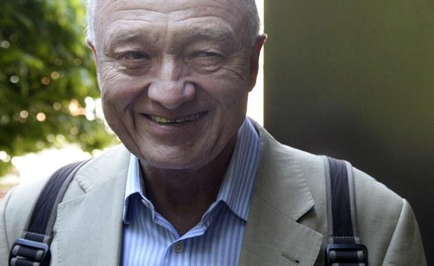 Dwa tygodnie po zamachach w Paryżu były burmistrz Londynu Ken Livingstone wywołuje skandal. Tłumaczy terrorystów, którzy w 2005 roku zabili w brytyjskiej stolicy 52 osoby. Livingstone przewodził wówczas władzom miasta.