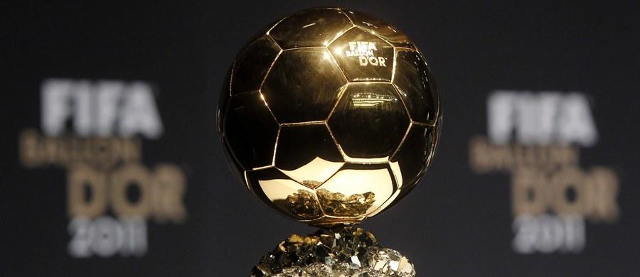 """Lionel Messi, Cristiano Ronaldo i Neymar - to finałowa trójka pretendentów do zdobycia Złotej Piłki FIFA. Niestety zabrakło w tym gronie Roberta Lewandowskiego. Zwycięzcę plebiscytu FIFA i """"France Football"""" poznamy na styczniowej gali w Zurychu."""