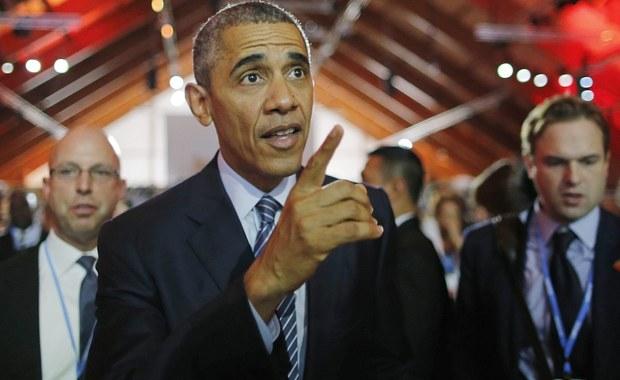 W Paryżu rozpoczął się szczyt klimatyczny ONZ. W kuluarach konferencji spotkali się prezydenci Rosji i USA - Władimir Putin i Barack Obama. Rozmowa odbyła się za zamkniętymi drzwiami. Tymczasem podczas inauguracji głos zabrała kanclerze Merkel, która nawoływała do pomocy kraje rozwinięte do wsparcia najbiedniejszych.