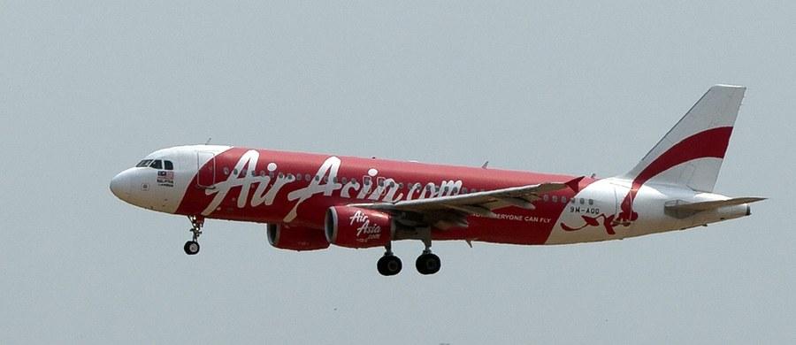 Usterka systemu kontroli steru kierunku i sposób, w jaki zareagowali na nią piloci, doprowadziły do zeszłorocznej katastrofy samolotu pasażerskiego malezyjskich linii lotniczych AirAsia - poinformowali indonezyjscy śledczy. W katastrofie zginęły 162 osoby.