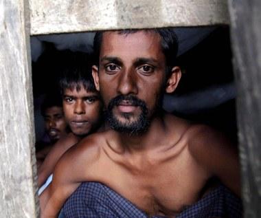 Przemytnik ludzi: Zapłacili mi za zawrócenie łodzi z imigrantami