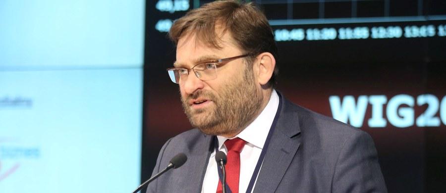 """""""Rzeczpospolita"""" wraca w piątkowym wydaniu do dymisji szefa Giełdy Papierów Wartościowych w Warszawie. """"Giełda i rynek potrzebują przede wszystkim stabilności i przewidywalności"""" – mówi dziennikowi Paweł Tamborski."""