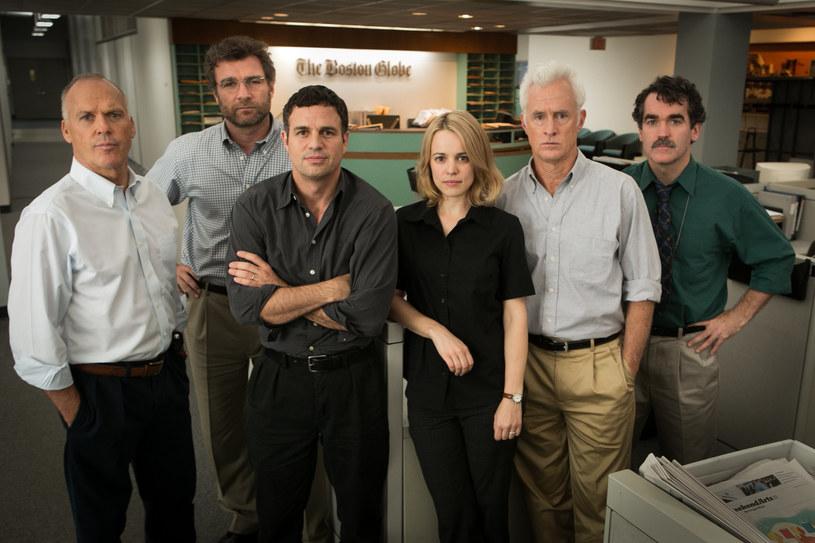 """17 stycznia w Kalifornii po raz 21. rozdano nagrody Critics' Choice. Najlepszym filmem okrzyknięto """"Spotlight"""" Toma McCarthy'ego. Z kolei """"Mad Max: Na drodze gniewu"""" George'a Millera nagrodzono aż w dziewięciu kategoriach, w tym dla najlepszego reżysera."""